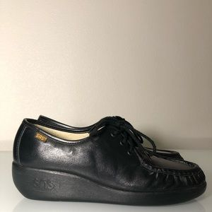 SAS black leather shoes women's size 8.5